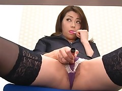 Oriental sweetheart in nylons bows over for wicked fingering